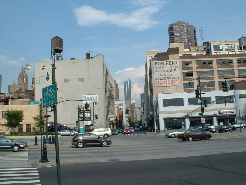 12-я авеню идет вдоль Гудзона