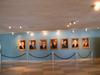 В вестибюле здания ООН - портреты Генеральных секретарей (ООН, а не КПСС, хотя разница не велика)
