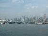 Причал на Гудзоне. Слева - большой пассажирский лайнер и музей-авианосец